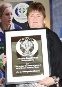 Ann Arthur with her award