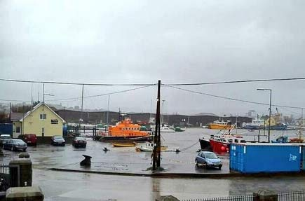 Arklow dock at high tide this morning. Pic: Paul Burke (Twitter)