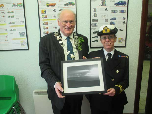 Lt. Sue Williams,  Royal Navy Holyhead Sea Cadets,  presents special photograph of Wicklow mountains as seen from Holyhead to Deputy Mayor Cllr. Chris Maloney.