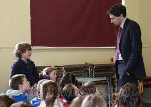 Simon Harris TD visiting Jonathan Swift National School earluier this week.