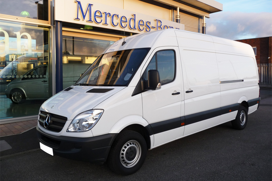 White Mercedes long base Sprinter Panel Van similar to the one the man was driving