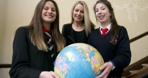 Helen Ryan (right) with RTE Journalist Sharon Ní Bheoláin and fellow winner Emma Young from Bandon Grammar School in Cork
