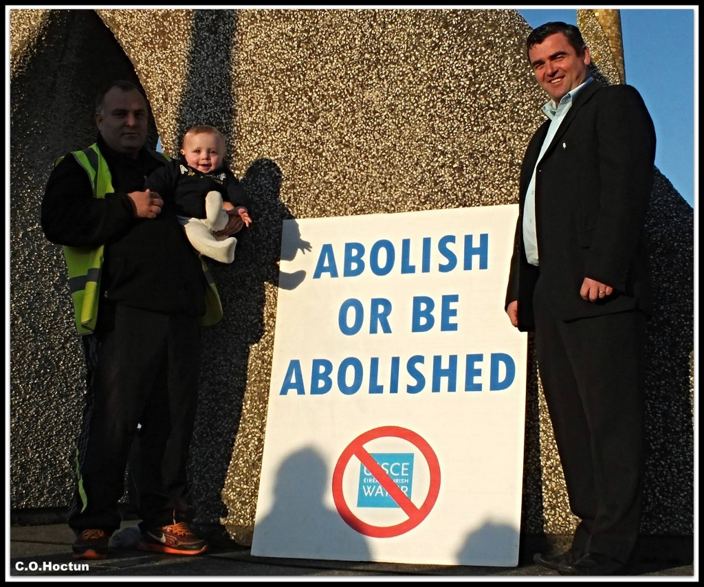 Councillor John Snell with  protesters in Wicklow town (Pic. Ceaneacht O'Hoctun)