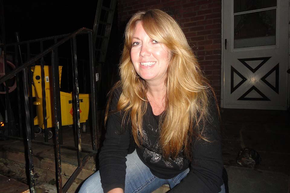 Lisa V.Proulx