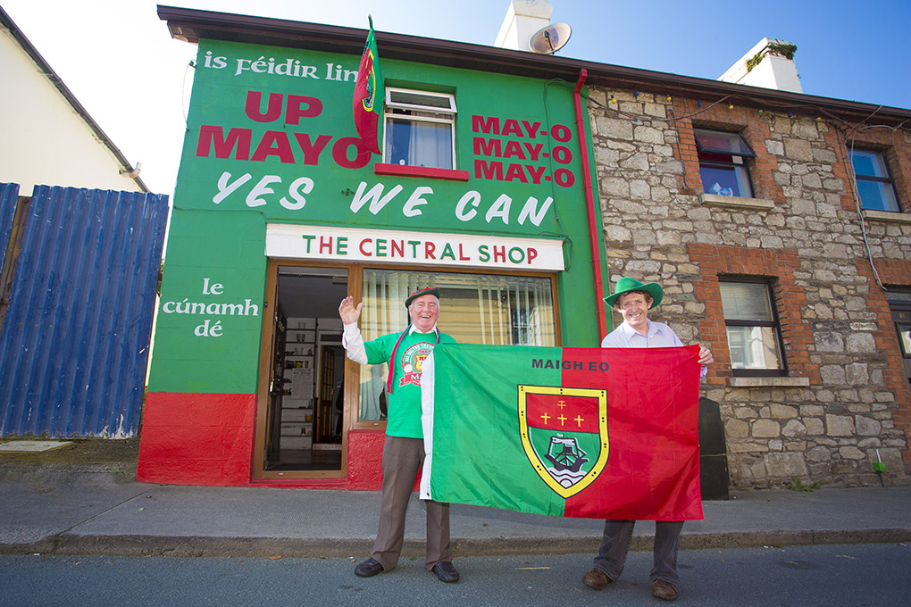 Mayo supporters Tony Battle and Bill Porter show their true colours outsideTony's  home in Rathdrum, Co.Wicklow ahead of Sunday's All-Ireland football final, Co.Wicklow.