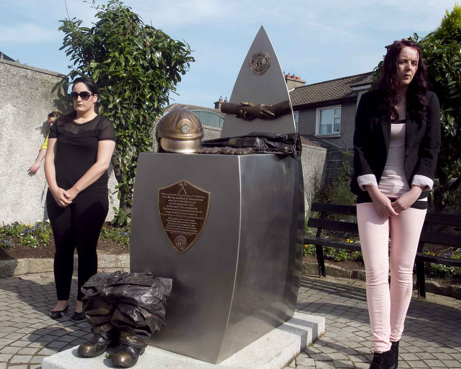Hazel O'Brien and Fiona Murray at the unveiling of the monument to Bray firefighters Mark O'Shaughnessy and Brian Murray (Pic.Michael Kelly)
